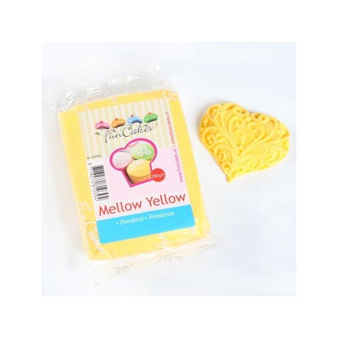 Pâte à sucre jaune moelleux (Mellow Yellow) - 250gr - Funcakes